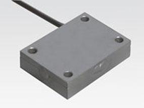 Heizplatte in kompakter Ausführung mit stirnseitigem Kabelabgang für Heizung und Temperaturfühler